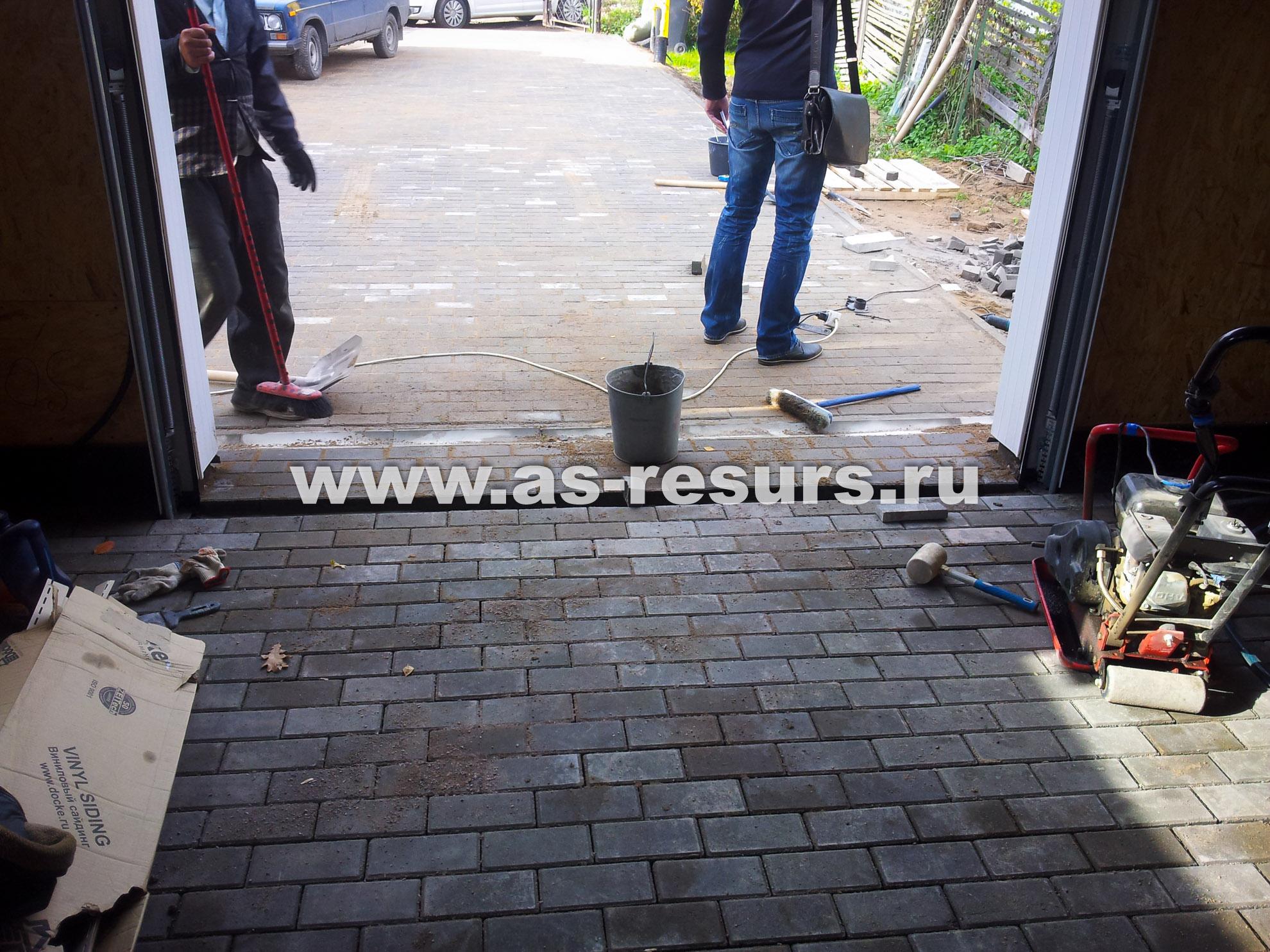 Тротуарная плитка для гаража своими руками 28